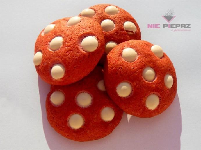Czerwono-białe ciasteczka